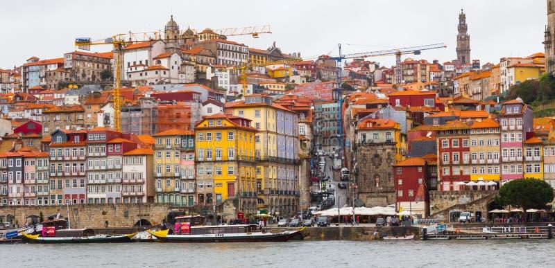 Vista panorámica de Ribeira, Oporto, en Portugal fotos de archivo libres de regalías