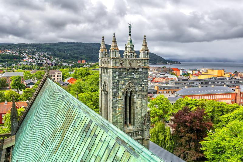 Vista panorámica de Strondheim noruega fotos de archivo