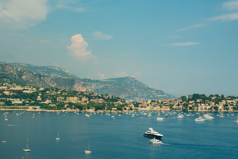 Vista panorámica de Villefranche-sur-Mer, Francia foto de archivo libre de regalías