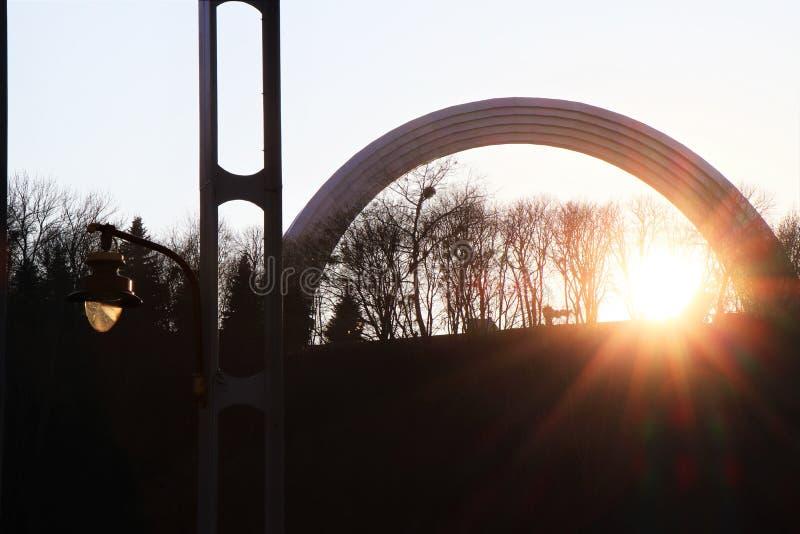 Vista panorámica del arco del monumento de la diversidad foto de archivo libre de regalías