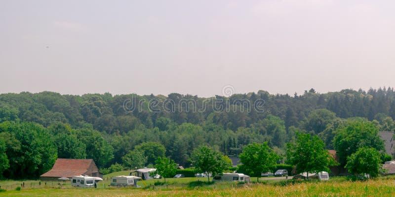 Vista panorámica del camping holandés fotos de archivo