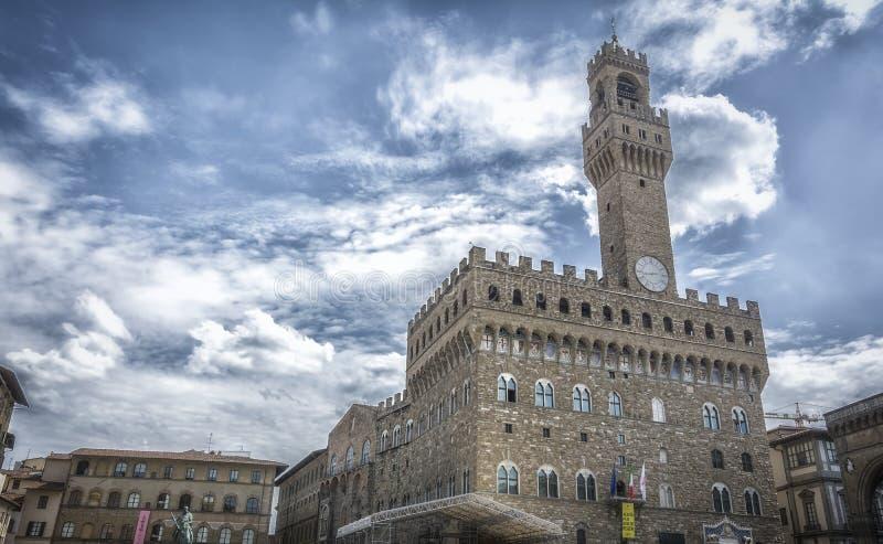 Vista panorámica del della famoso Signoria de la plaza con Palazzo Vecchio en Florencia, Toscana, Italia imagenes de archivo