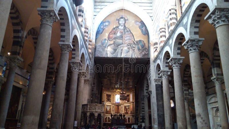 Vista panorámica del interior de la catedral de Pisa imágenes de archivo libres de regalías