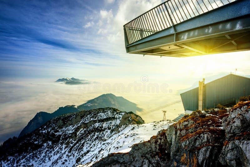 Vista panorámica del paisaje hermoso de la montaña del invierno Zugspitze, Alemania imágenes de archivo libres de regalías