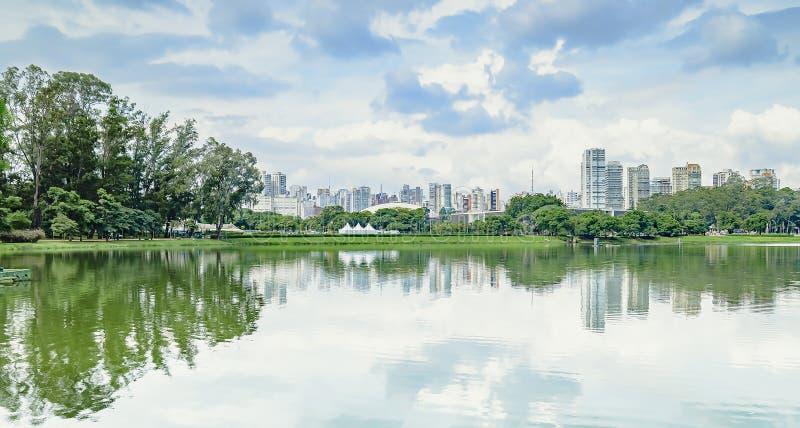 Vista panorámica del parque de Ibirapuera, SP el Brasil de Sao Paulo fotografía de archivo libre de regalías
