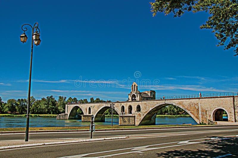 Vista panorámica del puente de Aviñón del ` de Pont d y del río Rhone en Aviñón fotos de archivo