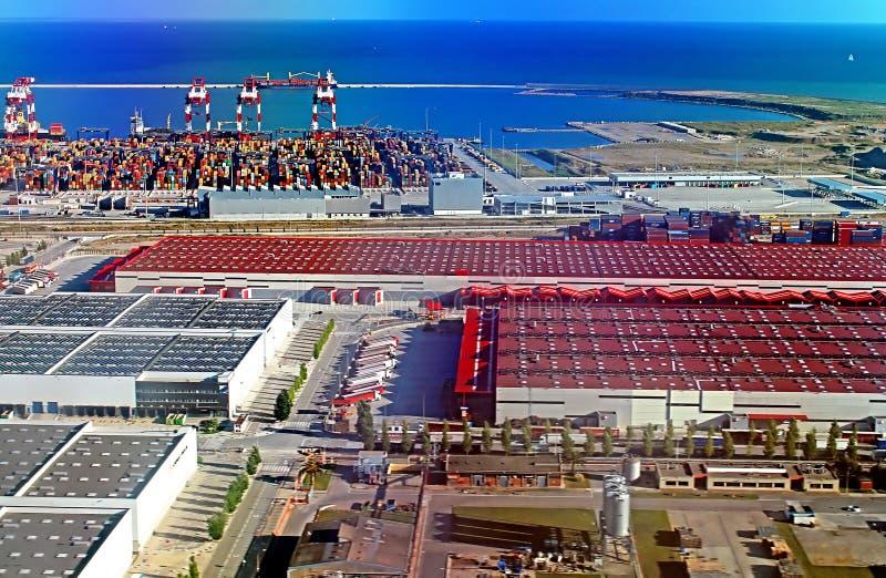Vista panorámica del puerto en Barcelona, España imagenes de archivo