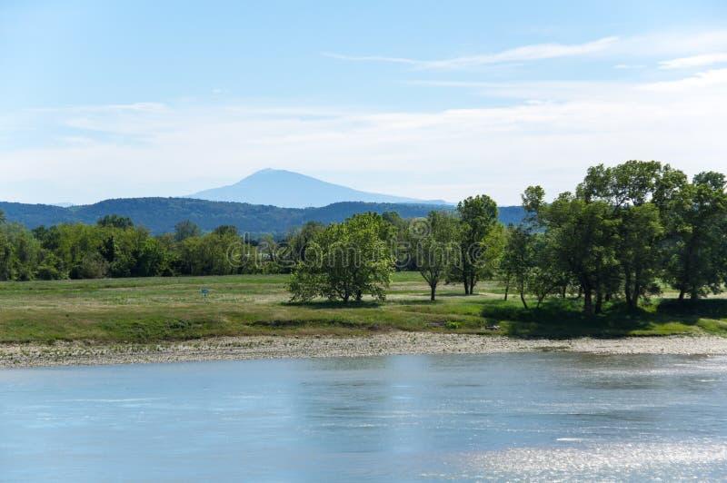 Vista panorámica del río Rhone fotografía de archivo