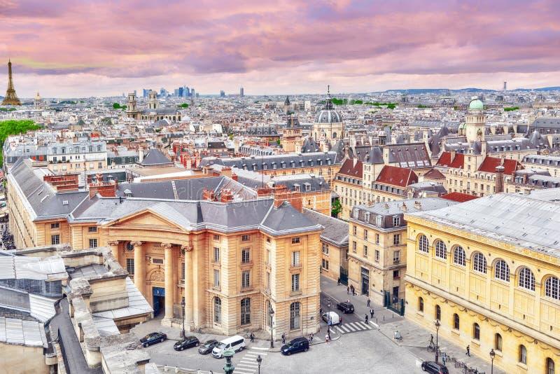 Vista panorámica hermosa de París del tejado del panteón foto de archivo