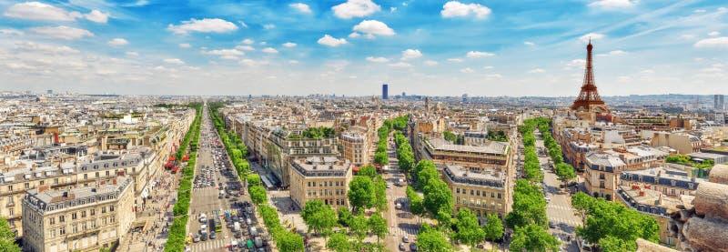 Vista panorámica hermosa de París del tejado del triunfal fotografía de archivo libre de regalías