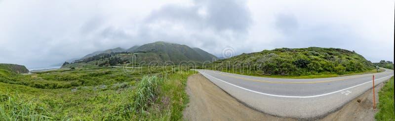 Vista panorâmica à estrada nenhum 1 em Califórnia fotografia de stock