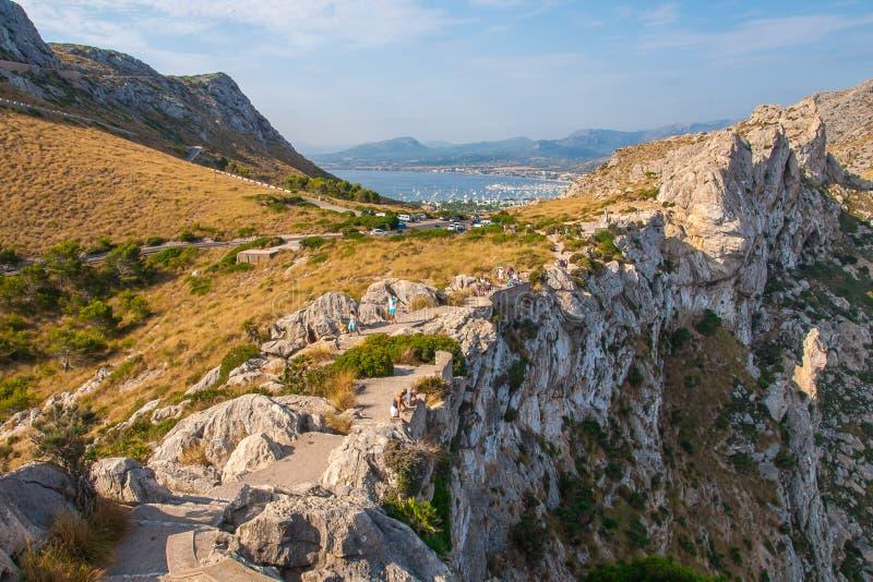 Vista panorâmica acima de Porto de Pollensa fotografia de stock royalty free