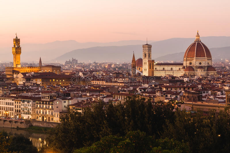 Vista panorâmica ao River Arno, Florença, Itália imagem de stock royalty free