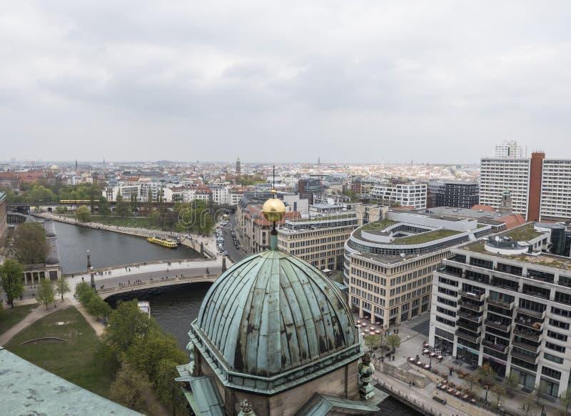 Vista panorâmica da catedral de Berlim, Alemanha imagem de stock