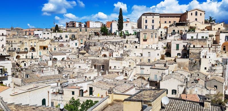 Vista panorâmica da cidade antiga de Matera Sassi di Matera em Basilicata, Itália do sul imagem de stock