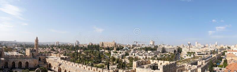 Vista panorâmica da cidade do Jerusalém moderno da cidade velha imagens de stock royalty free