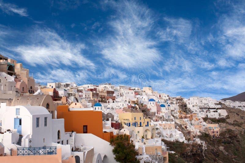 Vista panorâmica da cidade no por do sol, ilha de Oia de Santorini, Cyclades imagem de stock royalty free