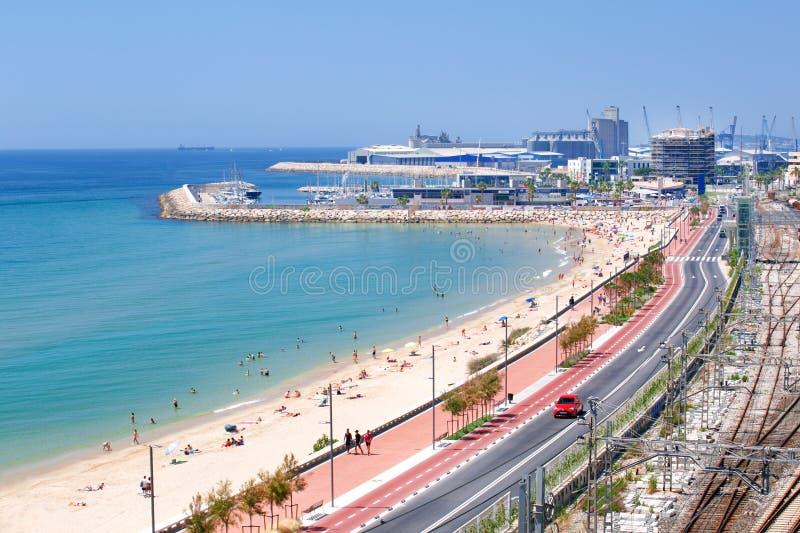 Vista panorâmica da costa de Tarragona Dia de verão na praia de Tarragona foto de stock royalty free