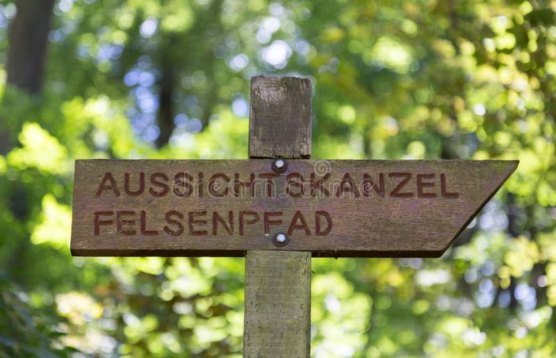 Vista panorâmica da fuga de Felsenweg no Trier Rhineland Palatin fotos de stock