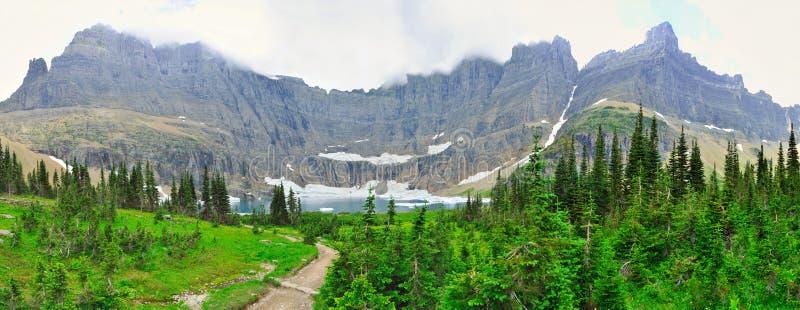 Vista panorâmica da geleira do lago iceberg no parque nacional de geleira foto de stock royalty free