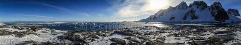 Vista panorâmica da ilha de Pléneau, a Antártica fotos de stock royalty free