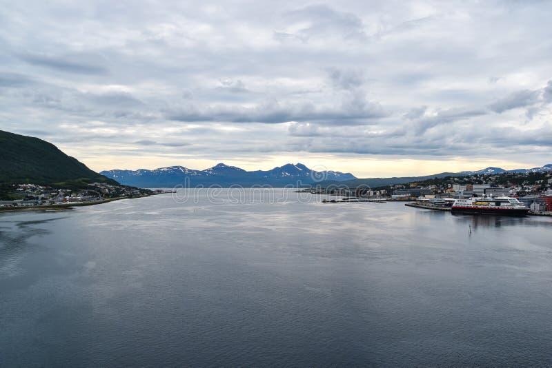 Vista panorâmica da margem de Tromso, Noruega fotos de stock royalty free