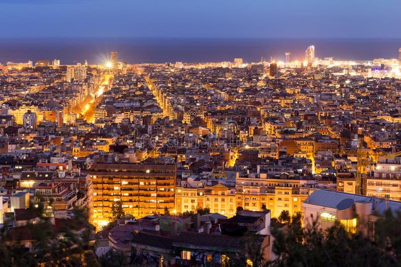 Vista panorâmica da noite de Barcelona, Espanha fotos de stock royalty free