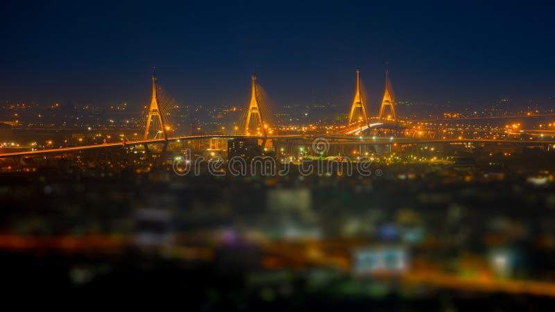 Vista panorâmica da ponte de Bhumibol fotografia de stock