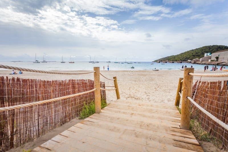 Vista panorâmica da praia perto de Pacha, ilha de Ibiza de Ibiza fotografia de stock