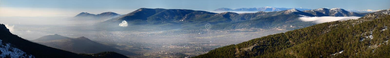 Vista panorâmica da serra do Madri fotografia de stock