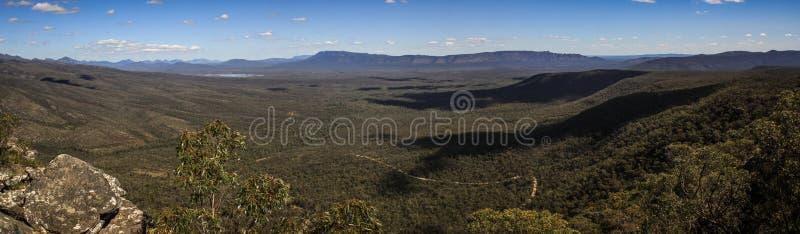 Vista panorâmica da vigia de Reid e dos balcões, o Grampians, Victoria, Austrália, fotos de stock