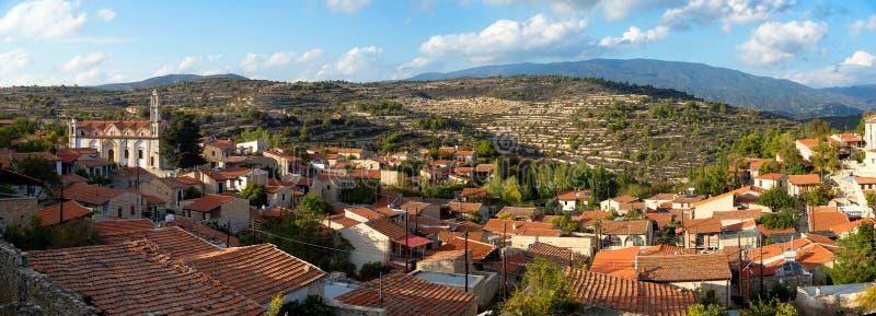Vista panorâmica da vila de Lofou Distrito de Limassol, Chipre imagens de stock royalty free