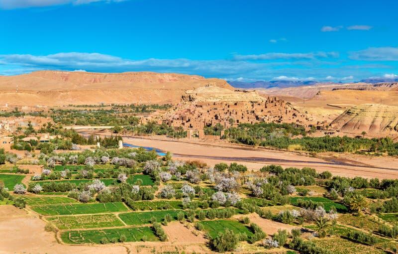 Vista panorâmica de Ait Benhaddou, um local do patrimônio mundial do UNESCO em Marrocos fotografia de stock royalty free