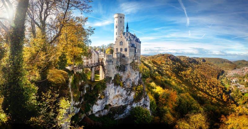 Vista panorâmica de Alemanha Europa do castelo de Lichtenstein imagem de stock