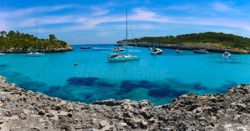 Vista panorâmica de Cala Mondrago em Palma de Mallorca fotos de stock royalty free