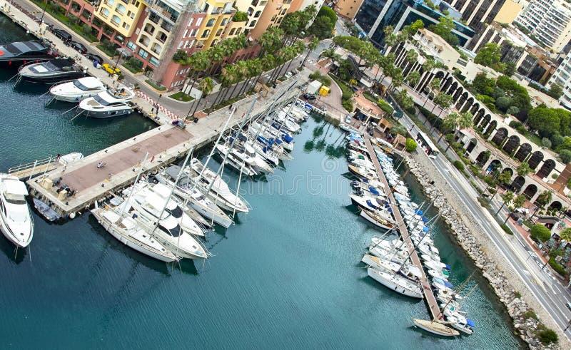 Vista panorâmica de Fontvieille - distrito novo de Mônaco Barcos imagem de stock