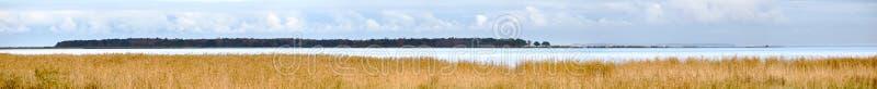 A vista panorâmica de Haken golpeou, um geotope no parque natural Insel Usedom em Alemanha fotos de stock royalty free