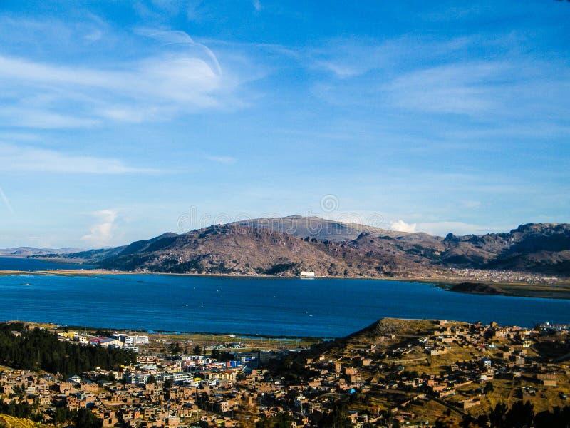 Vista panorâmica de Isla del solenoide - Bolívia (ilha do sol) imagens de stock royalty free