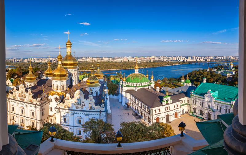 Vista panorâmica de Kiev Pechersk Lavra, monastério ortodoxo, Kiev, Ucrânia imagem de stock