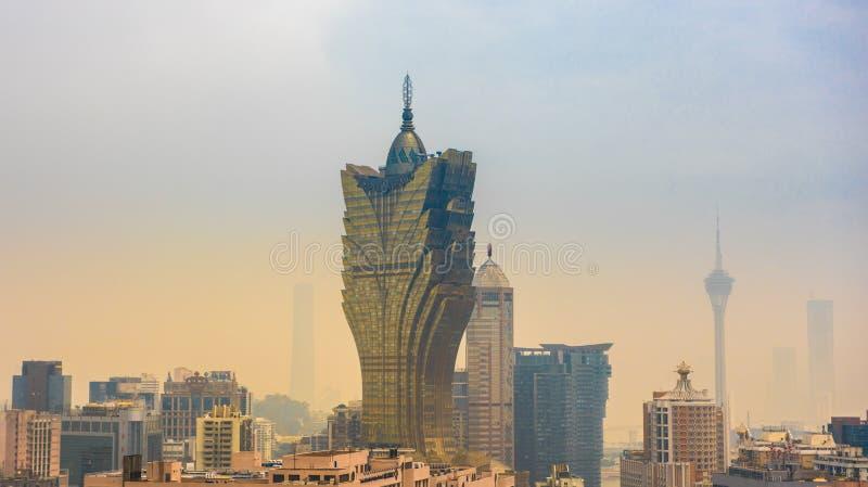 Vista panorâmica de Macau do centro na névoa fotos de stock