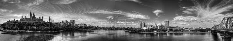 Vista panorâmica de Ottawa, Canadá, em preto e branco foto de stock
