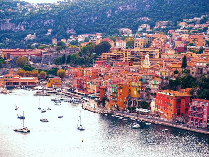 Vista panorâmica de Riviera francês perto da cidade do Villefranche-sur-Mer, Menton, Mônaco Monte Carlo, ` Azur da costa d, Rivie foto de stock