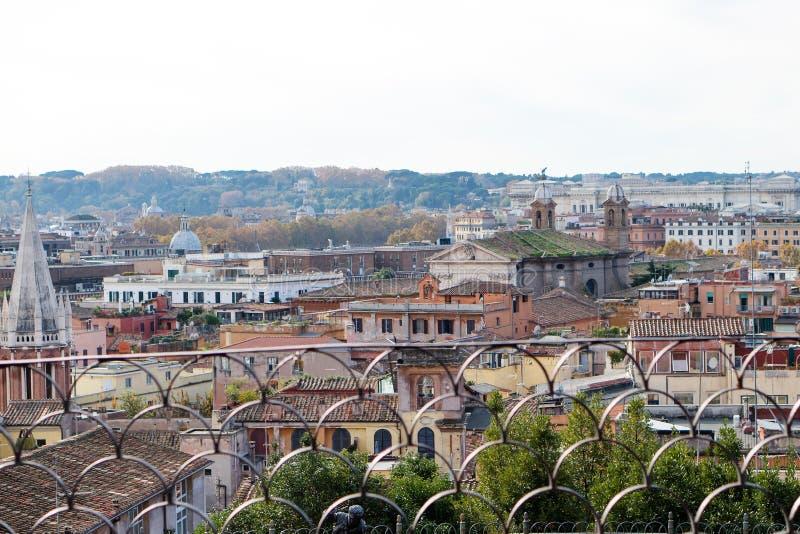 Vista panorâmica de Roma da casa de campo Borghese, Itália imagem de stock royalty free