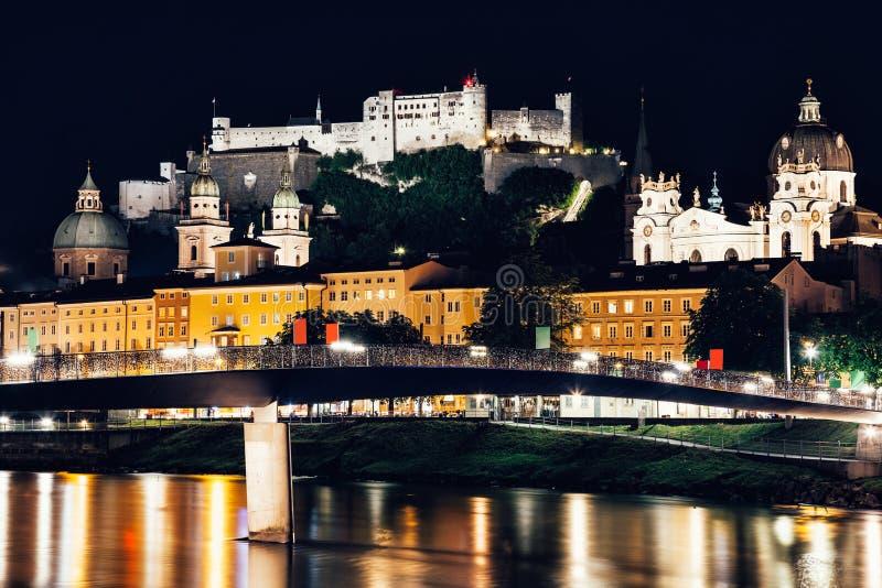 Vista panorâmica de Salzburg bonito em Áustria imagens de stock royalty free