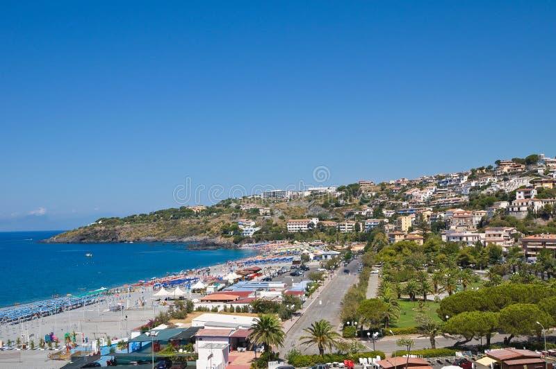Vista panorâmica de Scalea. Calabria. Italia. imagens de stock