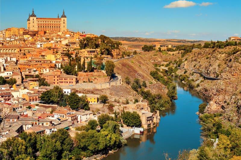 Vista panorâmica de Toledo, Espanha, e do Tagus River imagens de stock royalty free