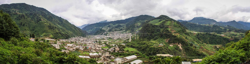 Vista panorâmica de Zunil, Quetzaltenango, Guatemala fotos de stock royalty free