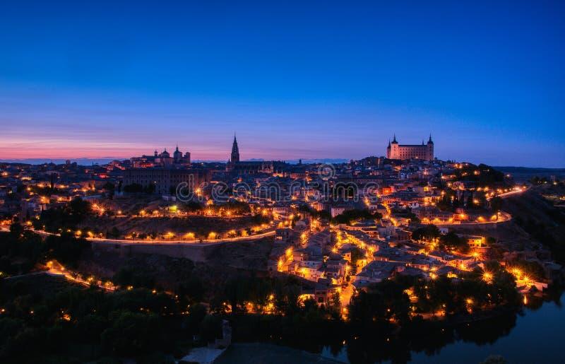 Vista panorâmica do centro medieval da cidade de Toledo fotografia de stock