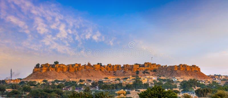Vista panorâmica do forte no alvorecer, Rajasthan de Jaisalmer, Índia fotografia de stock