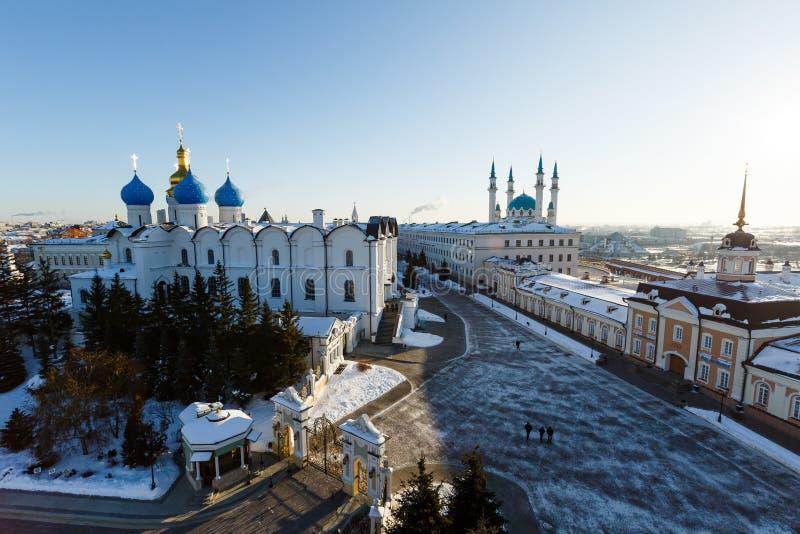 Vista panorâmica do Kul-Sharif e da catedral do aviso, Kazan imagens de stock